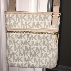 Michael Kors Crossbody AUTHENTIC